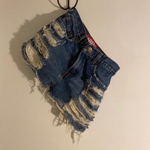 Levi Jean Cutoff Shorts